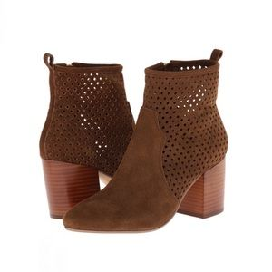 Report Signature Travi ankle Boot perforated suede